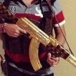 Narcos messicani, FOTO web: pistole dorate, Ak 47, soldi8