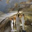 Restauro Galleria Caracci, scoperti graffitari del '7002