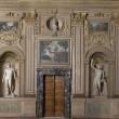 Restauro Galleria Caracci, scoperti graffitari del '7004