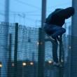 Calais, migranti su binari: 6 Eurostar bloccati nella Manica11