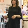 Elisabetta Canalis, parto vicino: shopping col pancione 3