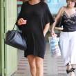 Elisabetta Canalis, parto vicino: shopping col pancione16