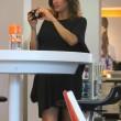 Elisabetta Canalis, parto vicino: shopping col pancione0