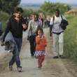 Ungheria, scontri migranti-polizia. Croazia nuova rotta3