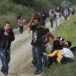 Ungheria, scontri migranti-polizia. Croazia nuova rotta2