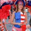 Donne in topless, falsi monaci: spettacolo Times Square FOTO3