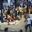 Budapest, riaperta stazione: migranti assaltano treni6