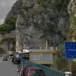 Scafista italiano ne ammassa 24 quasi asfissiati nel furgone