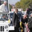 Papa Francesco, bimba sfida security per chiedergli...FOTO 4