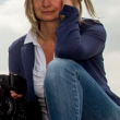 VIDEO YOUTUBE La reporter ungherese che sgambetta i migranti