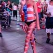 Times Square, topless performer vende droga e sesso a agente3