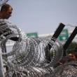 Ungheria, lacrimogeni sui migranti. Croazia nuova rotta11