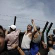 Ungheria, lacrimogeni sui migranti. Croazia nuova rotta 5