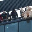 Bologna, sgombero ex Telecom: anche bambini sui tetti9