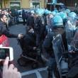 Bologna, sgombero ex Telecom: anche bambini sui tetti8