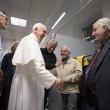 Papa Francesco visita dormitorio clochard vicino a Vaticano 5