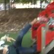 VIDEO YouTube. Giornalista cade dallo scivolo: papera a Bari4
