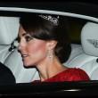 Kate Middleton in rosso: gioielli e diadema famiglia reale2