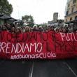 Cortei studenti in tutta Italia. Bologna, scontri. FOTO Roma10