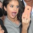 """Selfie vietato a messa: """"La comunione non è uno spettacolo"""" 1"""