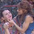 Grande Fratello 14, bacio saffico Anna e Rebecca la trans4