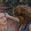 Grande Fratello 14, bacio saffico Anna e Rebecca la trans3