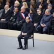 "Hollande, omaggio vittime: ""Isis, agiremo25"