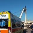 Pescatore Matteo Colella minaccia suicidio da torre barca FOTO 2