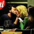 Francesco Renga, baci e carezze con Diana Poloni FOTO CHI01