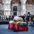 Valeria Solesin bandiera d'Europa: addio con la Marsigliese