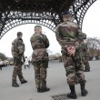 Parigi, dopo riapertura chiude di nuovo la Tour Eiffel13