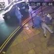 Gestore pub colpisce con un pugno in testa cliente10