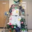 Babbo Natale su flebo: divertenti decorazioni in corsia9