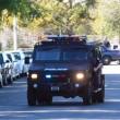 California, spari tra la folla: morti, caccia a tre bianchi 01