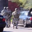 California, spari tra la folla: morti, caccia a tre bianchi 04