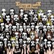Un altro panda nascosto tra i fan heavy metal. Lo vedi? FOTO02