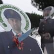 I sindacati della polizia e delle Forze dell'ordine hanno protestato sotto casa di Matteo Renzi, a Pontassieve, contro i tagli alla sicurezza