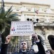 Salva banche, protesta risparmiatori vicino Bankitalia FOTO 10
