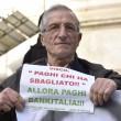 Salva banche, protesta risparmiatori vicino Bankitalia FOTO 3