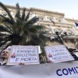 Salva banche, protesta risparmiatori vicino Bankitalia FOTO 6