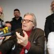 """Vittorio Sgarbi dimesso: """"Va tutto male tranne il cuore5"""