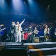 YOUTUBE Eagles of Death Metal ospiti su palco U2 a Parigi01