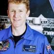 Astronauta Tim Peake passeggia nello spazio2