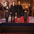 Celine Dion distrutta a funerali marito8