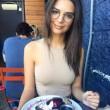 Emily-Ratajkowski-10