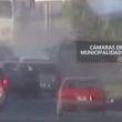 YOUTUBE Incidente choc: mamma e figlio travolti da auto