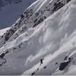"""Snowboarder con la valanga che lo """"insegue"""" 3"""