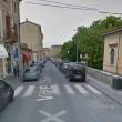 Carrara, carabiniere ucciso davanti a casa: killer in fuga 02