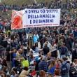 """Family Day, striscione: """"Renzi ci ricorderemo"""" FOTO"""