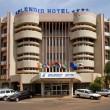 Burkina Faso, autobomba e spari davanti hotel occidentali3